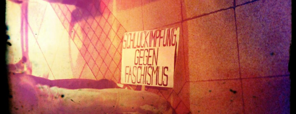 Schluckimpfung gegen Faschismus wird in Karl-Marx-Stadt getestet